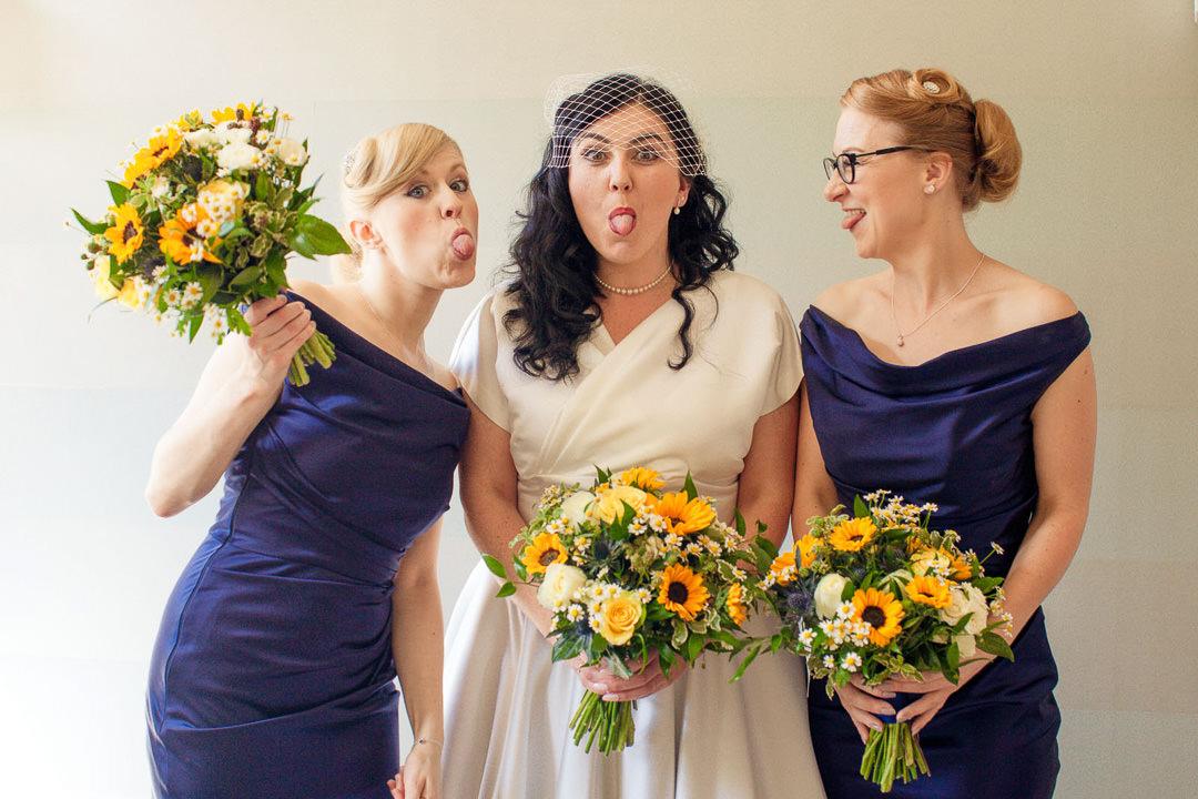 rosslea hall hotel bride kiss